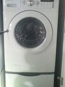 Daewoo Front Loading Washer and Dryer Set w/Bases